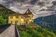 Restaurante en la montaña - Hallstatt by Miguel Diaz on 500px