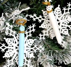 Clothespin Angel Christmas Ornament Crafts | DIY Christmas ornaments have never been as cute as these!