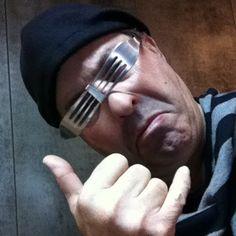 Fotografias do perfil - Saul Rogério - Álbuns Web Picasa - Os meus óculos feitos com garfos. Veja o meu BLOG: saulrogerioartesanato.blogspot.pt