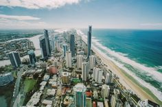 Onde ficar em Gold Coast: Surfers Paradise vista do alto do Sky Point Observation Deck.