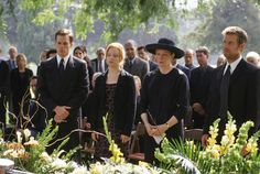15 Lively Facts About 'Six Feet Under' | Mental Floss