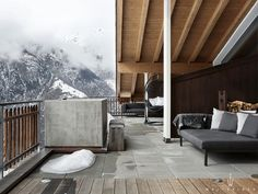 Terrace tiles in wood look Paolo Nutini, Home Design, Outdoor Spaces, Outdoor Living, Wood Effect Porcelain Tiles, Alpine Modern, Terrace Tiles, Chalet Style, Chalet Chic