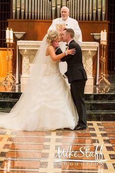 Kiss UR bride