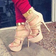 :-D nude Color heels..
