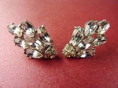 1940s 1950s Vintage Clear Rhinestone Marquise Navette Earrings #jewellery #jewelry #40s #50s #rhinestone #vintage #earrings