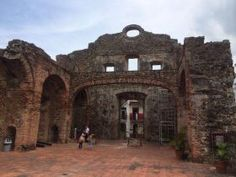 Casco Viejo Panama ruins – The best place for sightseeing in Panama City would be Casco Antiguo/Casco Viejo - See more at: http://bestplacesintheworldtoretire.com/questions-and-answers/1550-where-s-the-best-sightseeing-in-and-around-the-panama-city-panama-area-of-casco-viejo#sthash.qo7kW2y5.dpuf