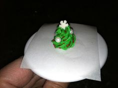 The Iced Queen: Royal Icing Christmas Tree