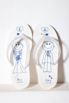 infradito 328x491 IDEE MATRIMONIO: per le nozze al mare regaliamo infradito