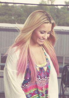 Demi Lovato pink dip dye!