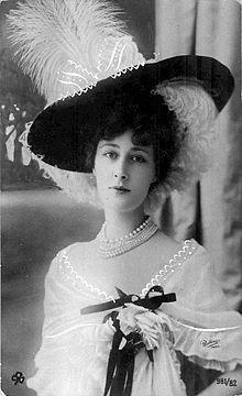 Anne-Marie Chassaigne (1869-1950) dite Liane de Pougy alias Princesse Ghika, célèbre demi-mondaine, vers 1891-1892.