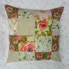 Housse de coussin en patchwork, ambiance champêtre, fleurie