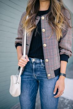 Jumpstart To Fall - Gucci Jacket - Ideas of Gucci Jacket - Gal Meets Glam Jumpstart To Fall Phillip Lim jacket Simon Miller tee Frame denim and Gucci bag Trent Coat, Winter Outfits, Casual Outfits, Phillip Lim, Budget Planer, Gal Meets Glam, Mode Hijab, Frame Denim, Look Fashion