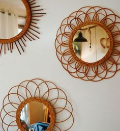 Miroirs rotin vintage mirror any mirror will lighten, brighten and feel spacious Home Decor Mirrors, Diy Home Decor, Room Decor, Vintage Furniture, Home Furniture, Old House Decorating, Wicker Mirror, Vintage Room, Home And Deco