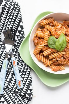 Tuna Tomato Pasta - an easy, budget friendly, tasty dish that the whole family will love. Great for BLW and kid friendly.