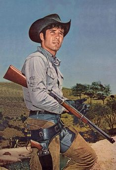 Chewin' the fat with iron-willed 'Laramie' cowboy star Robert Fuller - Medium