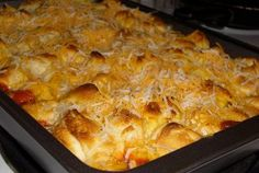 Instructables: Pizza Casserole - The Best of Both Worlds! Thanksgiving Casserole, Thanksgiving Recipes, Pizza Casserole, Casserole Recipes, Tasty Dishes, Food Dishes, Main Dishes, Pizza Recipes, Cooking Recipes