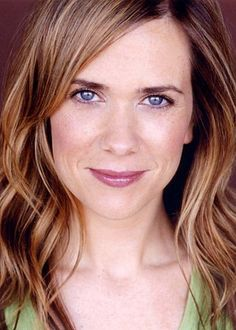 Kristen Wiig - best actress on SNL ever (in my opinion)
