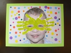 Tableau masque de carnaval pour anniversaire maman Carnival Crafts, Carnival Decorations, Carnival Games, Educational Games For Kids, Activities For Kids, Theme Carnaval, Mardi Grad, Art For Kids, Crafts For Kids