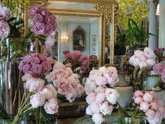 . Most Beautiful Flowers, Beautiful Interiors, Floral Wreath, Entertaining, Interior Design, Wedding Dresses, Inspiration, Home Decor, Flower Shops