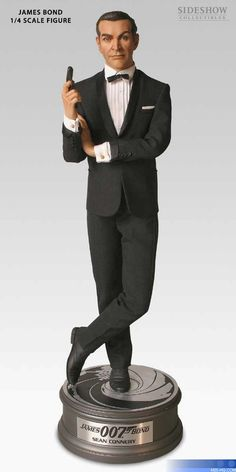 1/4 scale figures Sean Connery as James Bond. Sideshow