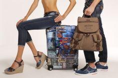 Mochilas, maletas, footwear y jeans. todo by Lois Jeans