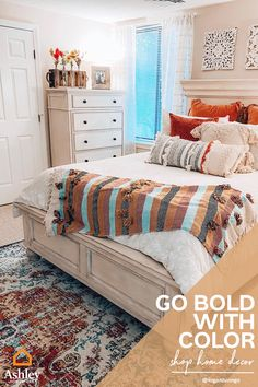 Let bohemian style and classic vintage pieces intersect in your home. Pair thoughtfully distressed items with warm tones and rustic accent pieces for a unique space. For more inspiration, browse our boards! Cheap Home Decor, Diy Home Decor, Living Room Decor, Bedroom Decor, Dream Bedroom, Master Bedroom, New Room, Decoration, Furniture Decor