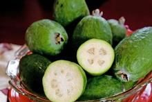 From the NZ Herald: I adore feijoas and get excited when seeing the first ones fall. It is truly a sign that autumn is here, heralding beautiful clear crisp days and a time to appreciate the change in. Herald News, Food Hacks, Food Tips, Green Fruit, Edible Flowers, Fruit Recipes, Freezer Meals, Recipe Using, Eating Well