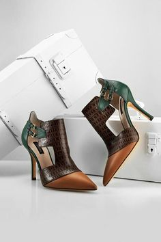 Love these except for the colors. :/ D or DC? | Escada. Beautiful shoe for True or Dark Autumn.