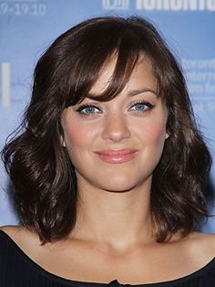 """Marion Cotillard's sweet midlength hairstyle // """"11 Cute Midlength Haircut Ideas"""" Liking this length"""