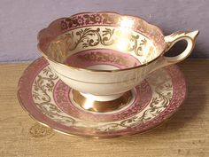 vintage pink tea cup and saucer set Royal by ShoponSherman Pink Tea Cups, Tea Cup Set, My Cup Of Tea, Cup And Saucer Set, Tea Cup Saucer, Tea Sets, Antique Tea Cups, Fun Cup, Teapots And Cups