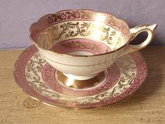 ** Šálek na čaj - zlacený porcelán **