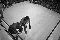 Cassius Clay vs Sony Liston (1964): Long before Cassius Clay became the legend that is Muhammad Ali, he shocked the world by defeating Sonny Liston in 1964 despite being blinded temporarily during the fight. The victory over Liston, who had dominated his two previous fights with first round KOs, heralded the beginning of one of the most dominant careers in boxing history.