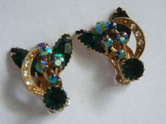 "VINTAGE GOLD TONE 1"" CLIP-ON EARRINGS BLUE AB AURORA BOREALIS GREEN CLEAR STONES"