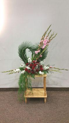 Church Flower Arrangements, Floral Arrangements, Alter Flowers, Church Decorations, Sacred Heart, Kirchen, My Flower, Flower Designs, Floral Design