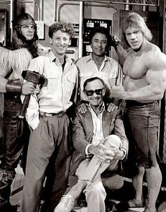 David Banner (Bill Bixby), the Incredible Hulk (Lou Ferrigno) and Stan Lee, the man who created the Hulk. Marvel Dc, Marvel Comics Superheroes, Marvel Comic Universe, Dc Comics, Incredible Hulk Tv, Gi Joe, Photos Rares, Terence Hill, Cinema Tv