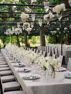 Pure White Wedding Decor Idea So Pretty, would love this for an outdoor wedding reception :) Wedding Bells, Wedding Events, Wedding Flowers, Wedding Receptions, Wedding Catering, Floral Wedding, Reception Table, Wedding Table, Reception Ideas