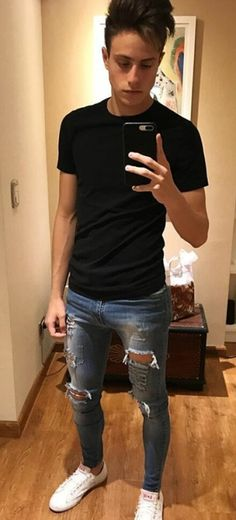 45 Inspiring Fashion Ideas To Wear Skinny Jeans - Aksahin Jewelry Superenge Jeans, Boys Jeans, Fashion Wear, Mens Fashion, Fashion Outfits, Street Fashion, Stylish Men, Men Casual, Hommes Sexy