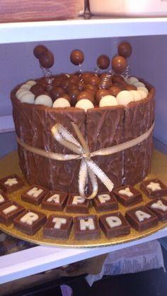 Friends birthday cake! Yummy