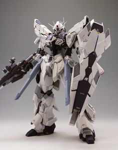 GUNDAM GUY: 1/100 Sinanju Stein Glanzend - Custom Build