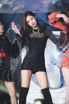 Playing with fire (Black Pink) Jennie Kim Sexy Outfits, Stage Outfits, Kpop Outfits, Blackpink Jennie, Blackpink Fashion, Korean Fashion, Moda Kpop, Black Pink, Kim Jisoo
