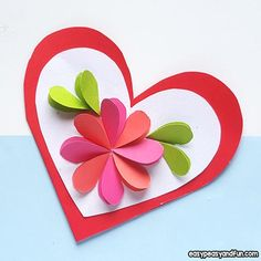 Heart Flowers Mothers Day Card - Easy Peasy and Fun Mothers Day Card Kids, Mother Card, Mothers Day Flowers, Easy Mother's Day Crafts, Spring Crafts For Kids, Crafts For Kids To Make, Paper Flower Wreaths, Paper Crafts, Arts And Crafts