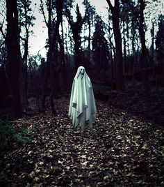 Young Photographer Christian Hopkins Takes Surreal Self-Portraits to Cope with Depression Horror Photography, Conceptual Photography, Dark Photography, Des Photos Saisissantes, Haunting Photos, The Ancient Magus, Spooky Scary, Creepy Ghost, The Journey