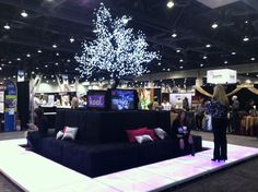 Light up floor and lounge furniture at Catersource - Idea Factory Tradeshow