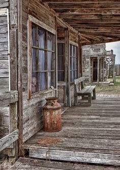 artistloveworld — J. Ville Du Far West, Le Far West, Old Buildings, Abandoned Buildings, Abandoned Places, Old West Town, Old Town, Foto Nature, Old Western Towns