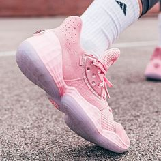 Think pink with this upcoming adidas Harden Vol. hitting retailers at the end of Breast Cancer Awareness month. For a closer look at James Harden's upcoming signature shoe, tap the link in our bio. Pink Basketball Shoes, Volleyball Shoes, Nike Basketball, Fresh Shoes, Hot Shoes, James Harden Shoes, Nike Shoes, Sneakers Nike, Nike Huarache