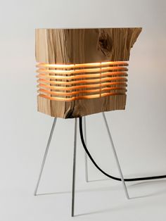 designer lampen brennholz leuchte stehleuchte naturholz