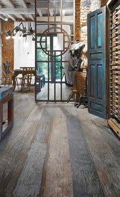Porcelain tile with the real weathered wood look by Blendart - the new collection by Ceramica Sant'Agostino Flooring similar to what we are looking for in master bathroom Wood Tile Floors, Wood Look Tile, Kitchen Flooring, Timber Tiles, Wood Grain Tile, Ceramic Flooring, Wood Walls, Floor Design, House Design