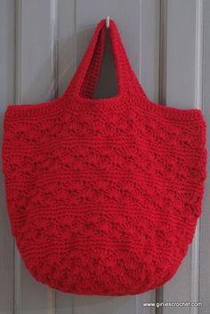 Free Crochet Pattern : Shell Bag, a boho bag great for beginner's.