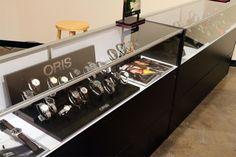 watch display store - Поиск в Google Watch Display, Visual Display, Liquor Cabinet, Watches, Storage, Google, Furniture, Home Decor, Purse Storage