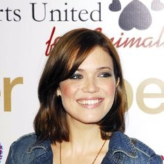 Mandy Moore Medium Brown Hair for Round Face